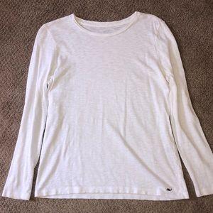 White vineyard Vines Shirt